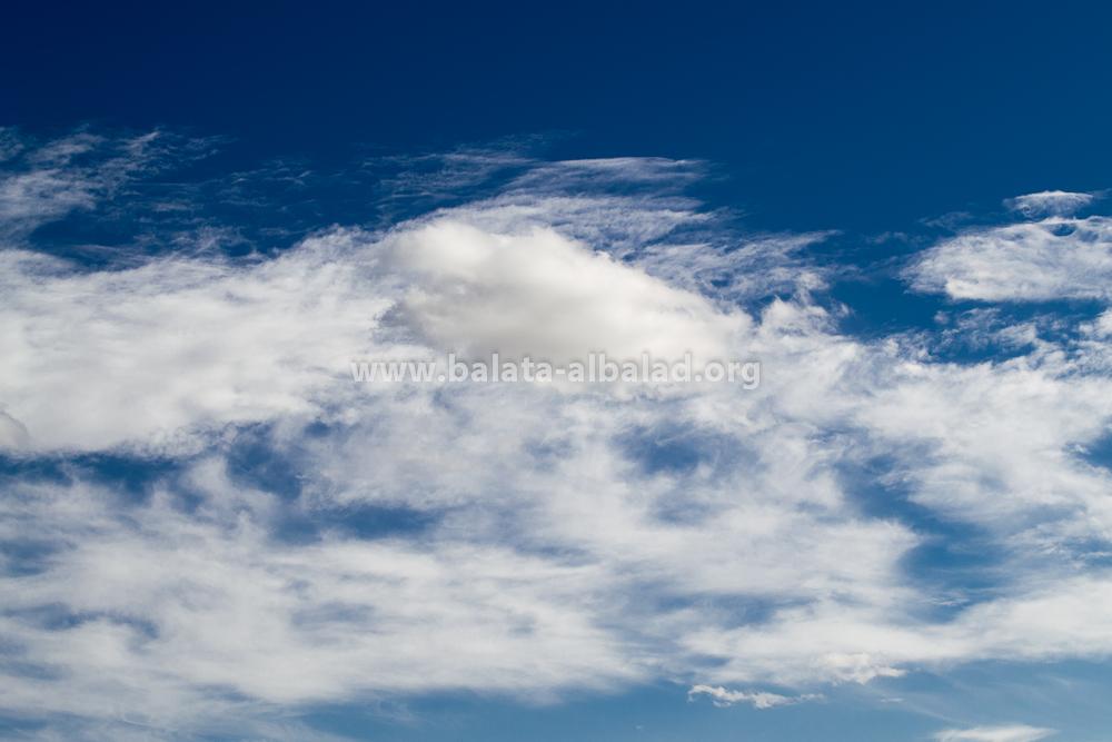 الغيوم في سماء بلاطة البلد