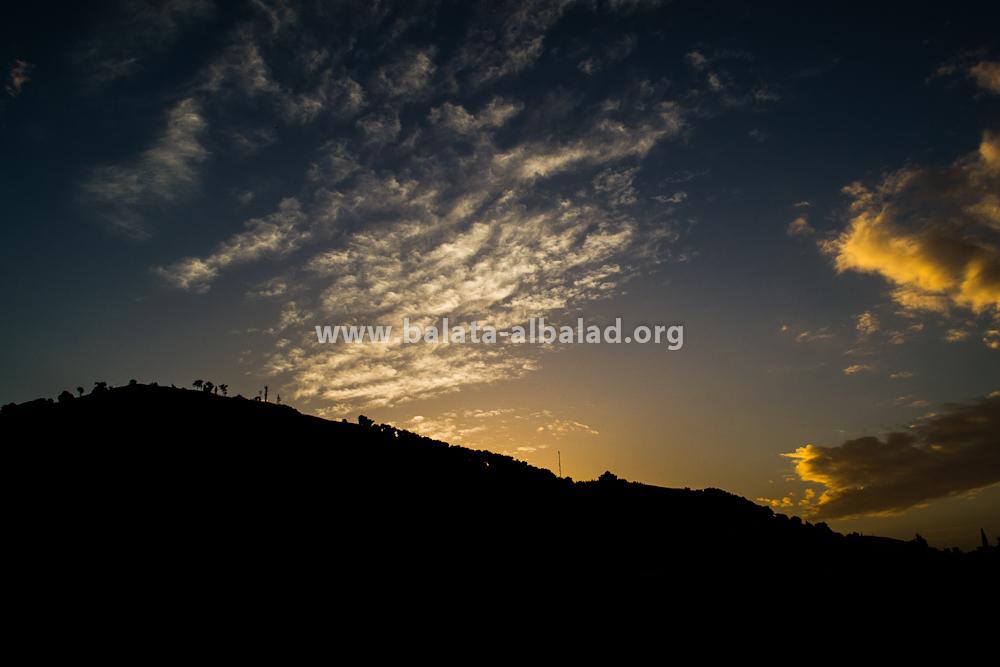 جبل جرزيم من بلاطة البلد عند الغروب